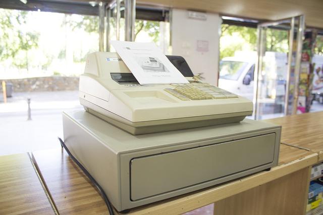 Na jakie elementy zwrócić uwagę przy zakupie kasy fiskalnej? Wielkość firmy, bezpieczeństwo